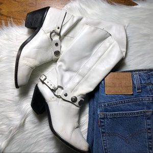 VTG WHITE LEATHER COWBOY BOOTS // 8.5